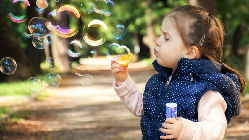 Jak zapewnić rozrywkę dziecku?